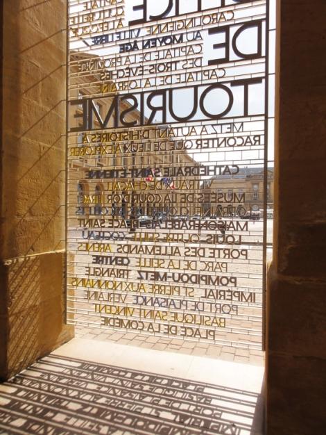 Metz_City_Signage_29