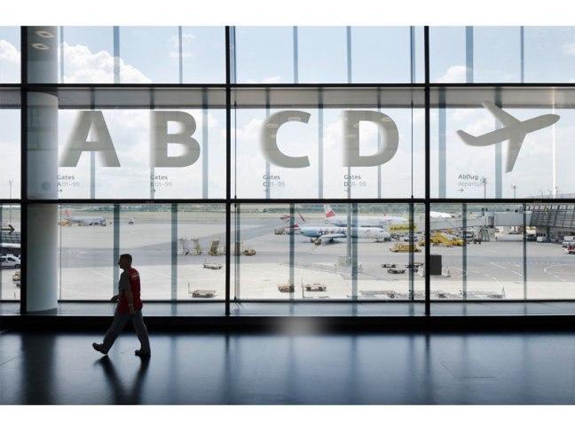 vienna_airport_sinalizar08