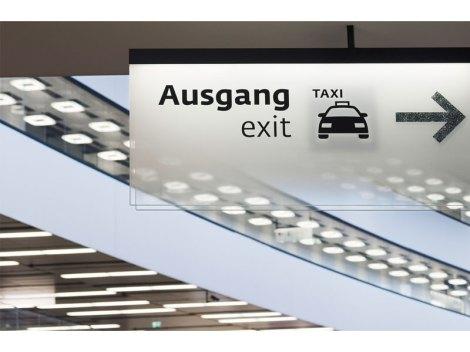 vienna_airport_sinalizar17